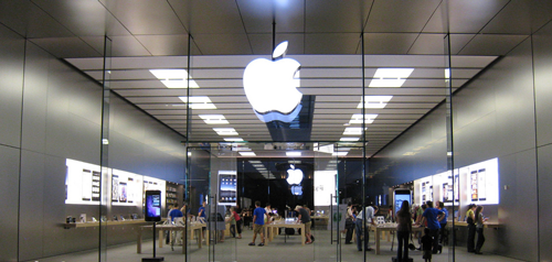 Kid in an Apple Store